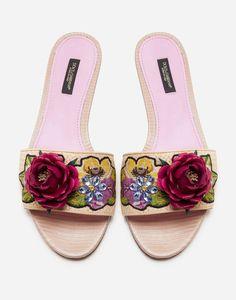 Foot Games, Wedding Flip Flops, Mid Heel Shoes, Women Slides, Cute Flats, Crazy Shoes, Floral Embroidery, Sliders, Beige