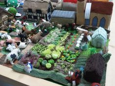 My favourite bit of the knitted village!   Flickr - Photo Sharing!