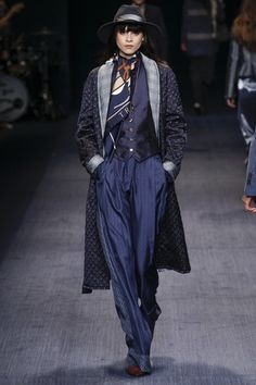 Trussardi Fall 2016 Ready-to-Wear Fashion Show  http://www.theclosetfeminist.ca/  http://www.vogue.com/fashion-shows/fall-2016-ready-to-wear/trussardi/slideshow/collection#17