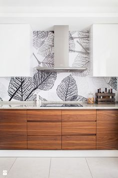The best way to Use Kitchen Wallpaper to Replace Your Kitchen - Homestya Kitchen Wallpaper Design, Modern Kitchen Design, Interior Design Kitchen, Wallpaper Designs, Interior Paint, Condo Kitchen, Home Decor Kitchen, Home Kitchens, Kitchen Ideas