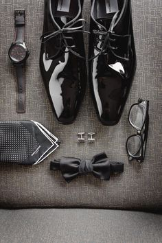 Grooms details #flat lay The grooms wedding details #groom #layflat #flatlat #groominspo #groominspiration #groomsmen #groomfashion #wedspiration #weddedwonderland #mensfashion #groomfashion #hipsterwedding #hellomay #whitemagazine | Hilary Cam Photography #classicwedding #groomflatlay #groomlayflat #groomstyle #groomdetails #groom #weddingday #weddingdetails #groomgrid #outfitgrid #groomoutfit #hilarycamphotography