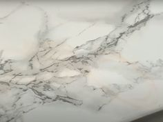 Contact Paper Countertops Full Tutorial And Review - The Nifty Nester Cheap Kitchen Countertops, Diy Concrete Countertops, Counter Edges, Counter Top, Vinegar And Water, Contact Paper, Home Repair, Nifty, Diy Kitchen