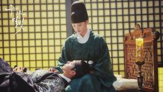 Moonlight drawn by clouds <3