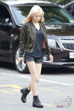 Taeyeon outfit cool