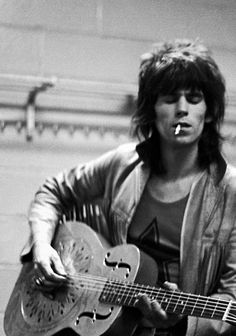 Keith Richards backstage at the Madison Square Garden - November 1969