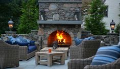 The perfect fireplace space to enjoy in every season Outdoor Wood Burning Fireplace, Outdoor Fireplace Patio, Outdoor Fireplaces, Build Outdoor Kitchen, Outdoor Dining, Outdoor Decor, Outdoor Ideas, Commercial Landscape Design, Living Environment
