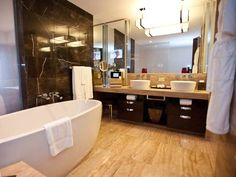 best vegas bathrooms mandarin oriental