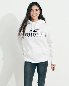 Shop for Logo Graphic Hoodie by Hollister at ShopStyle. Hollister Girls, Hollister Clothes, Hollister Logo, Hollister Jackets, Hollister Sweater, Sweatshirt Outfit, Hollister Trends, Casual School Outfits, Outfits For Teens