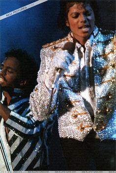 Photos Of Michael Jackson, Michael Jackson Rare, Michael Jackson Thriller, Michael Jackson's Son, Michael Jackson Neverland, Apple Head, Earth Angels, King Of Music, The Jacksons