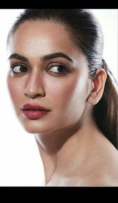 Bollywood Heroine, Bollywood Actress Hot, Most Beautiful Indian Actress, Beautiful Actresses, Shruti Hassan Wallpapers, Kirti Kharbanda, Indian Goddess, Beauty Full Girl, Celebs