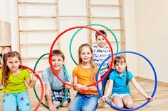 bewegingslessen Olympic Colors, Sport Craft, Skipping Rope, Basketball Funny, Gymnastics Girls, Hula, Easy Workouts, Kids Learning, Kids Playing