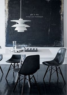#interior #decor #styling #scandinavian #nordic #modern #midcentury #BW #black #white #dining #pendant #floor #Eames #chair #chalkboard
