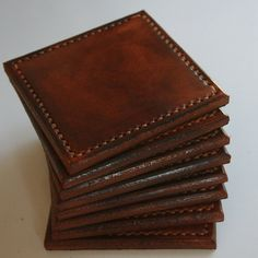 Coaster Set - idea for leather scraps-SR Leather Tray, Leather Gifts, Leather Texture, Leather Pouch, Leather Tooling, Leather Purses, Brown Leather, Sewing Leather, Leather Fabric