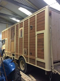 1968 ford d series teak horse box conversion.