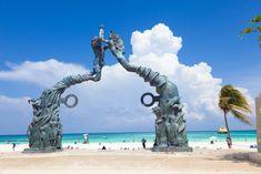 El #PortalMaya en el Parque Fundadores, una ventana hacia las paradisíacas costas de Playa del Carmen. http://www.bestday.com.mx/Playa_del_Carmen/ReservaHoteles/