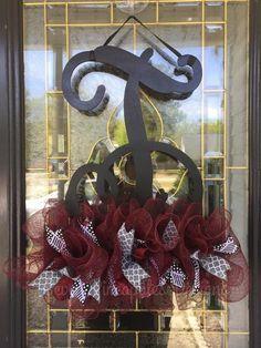 Single Letter Monogram Door Hanger – Seven Pineapples Designs Door Monogram, Monogram Letters, Pineapple Design, Spring Door, Wood Doors, Door Hangers, Door Wreaths, Design Your Own, 4th Of July Wreath