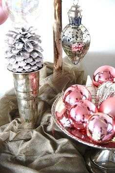 apositivelybeautifulblog:    (via MY PINK CHRISTMAS / Ornament decoration)