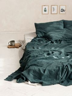 Emerald green linen bedcover Stonewashed linen bedspread in deep dark green, Relaxed and textured green bed throw, Double coverlet