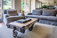 Grace Crescent, North Vancouver - traditional - Living Room - Vancouver - Kingdom Builders