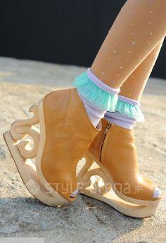 Yuri wears the #AmericanApparel Girly Lace Socks