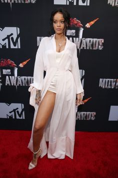 Click here to see all of the looks from the MTV Movie Awards!