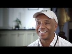 Internationally known hip-hop mogul, philanthropist, and entrepreneur Russell Simmons has teamed up with Mercy For Animals to launch a new pro-vegetarian billboard campaign.  http://www.mercyforanimals.org Support mercyforanimals