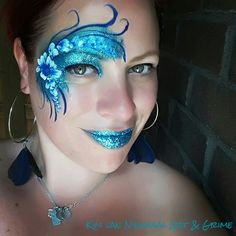 Eyedesign flowers bling glitter facepaint Face Paintings, Flowers Nature, Face And Body, Body Painting, Carnival, Halloween Face Makeup, Butterfly, Bling, Glitter