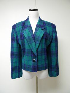 This WOOL WEATHER . 1980s vintage plaid cropped wool jacket . size 16 . made in USA by june22 on Etsy