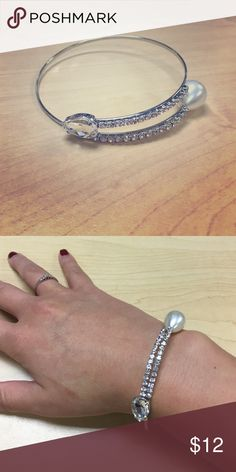 NWT Pearl and Diamond fashion bracelet Adjustable size Farah Jewelry Jewelry Bracelets