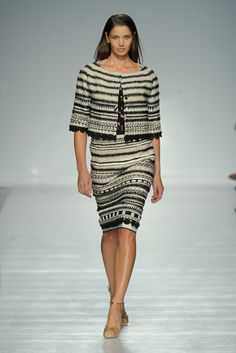 Elena Mirò Milano - Spring Summer 2012 Ready-To-Wear - Shows - Vogue.it