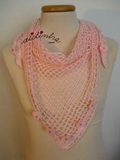 Baktu, em crochet, rosa claro com florinhas