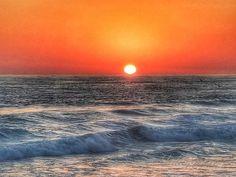 """Everyday Magic"" 💕 #sandiegosunset 🌅#ultimatecapture 🙌🏼 #summersunset🌅 #postcardsfromtheworld🌁 #sandiegovibes 🤙🏽 #sandiegolifestyle🏖 #BeachLife ⛱🏄🐳🌊⛵️ #carlsbad #lajolla #torreypines #pacificbeach #coronado #missionbeach #pointloma #missionbay #imperialbeach #solanabeach #delmar #cardiffbythesea #tamarackstatebeach #encinitas #leucadia #oceanside #sanonofrebeach #oceanbeach#pontobeach #sandiegolove ❤️💕🤙🏽 #CALOVE💜💖 😃#iphone7plusphotography 📲 #lajollalocals…"