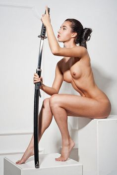 Woman with Katana - Pose/Body Steady, nice muscle tone but not overly muscular. - D.