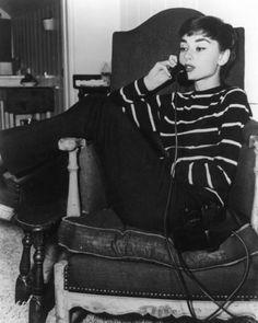穿出巴黎味!奧黛麗赫本也愛的八種條紋穿搭 | 女人迷 womany | 最走心的女力媒體