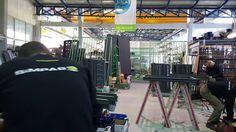 Η εταιρία Simpas δραστηριοποιείται στην επεξεργασία υαλοπινάκων καθώς και στην κατασκευή ενεργειακών κουφωμάτων. Η έδρα της βρίσκεται στην Αμπελιά Ιωαννίνων, ενώ λειτουργεί εκθεσιακός χώρος στο κέντρο των Ιωαννίνων. www.simpas.gr Saint Gobain Glass, Times Square, Basketball Court