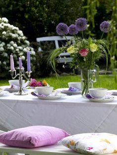 So könnte Ihre perfekte Sommertafel zur Gartenparty aussehen ... KLICK!