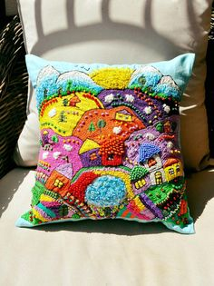Christmas Ideas For The Home Country Cushion Embroidery, Beaded Embroidery, Embroidery Stitches, Hand Embroidery, Embroidery Designs, Form Crochet, Unique Crochet, Fabric Art, Fabric Crafts