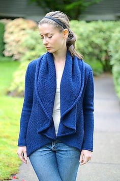 Ravelry: Pole pattern by Joji Locatelli. Be sure to review all project pics and notes. Very cool cardi.