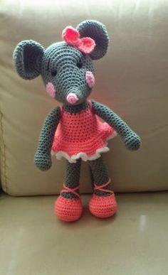 Tuto Amigurumi Ballerina mouse All about crochet and Amigurumi Patterns, Amigurumi Doll, Baby Blanket Crochet, Crochet Baby, Crochet Blankets, Easy Crochet, Free Crochet, Crochet Mouse, Crochet Dolls