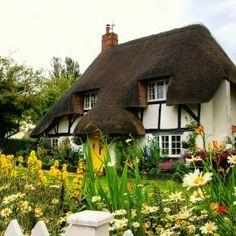 115 best country cottages images cute house cottage exterior homes rh pinterest com