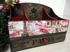 Caixa Maquiagem Mod.3 Paris | Dona Abelha | Elo7 Decoupage Vintage, Decoupage Letters, Paris Theme, Bedroom Themes, Casket, Desk Organization, Inspired Homes, Vintage Wood, Painting On Wood