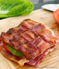 The No Bread BLT! A low carb / keto / LCHF / gluten-free version of the popular sandwich! This is my kind of sandwich. Bacon Recipes, Low Carb Recipes, Diet Recipes, Cooking Recipes, Healthy Recipes, Delicious Recipes, Kale Recipes, Vegetarian Cooking, Lunch Recipes