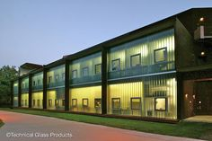 Project: University of Iowa (Art Building West)Location: Iowa City, IAArchitect: Steven Holl ArchitectProduct: Pilkington Profilit™ translucent channel glass system