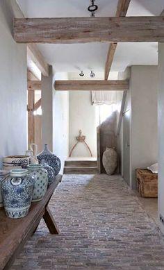 Interiors Inspiration / Muted Tones / Ceramics (instagram: the_lane)