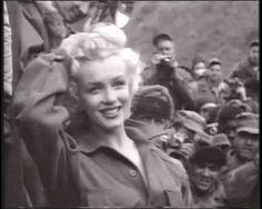 Marylin-Monroe-1954-1.gif (700×560)
