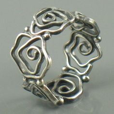 next up on the want list...  i'd wear this as a thumb ring