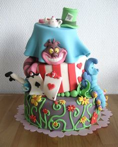 Alice in Wonderland Birthday Cake Ideas.. Always wanted a Alice in wonderland themed party