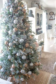Frosty, Metallic Holiday Decor and DIY Copper Pipe Chandelier