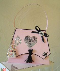 Handbag by Sandra Lamb, using a card making template from Card Carousel. Card Making Templates, Luxury Packaging, Beautiful Handbags, Display Boxes, Silhouette Projects, Christmas Projects, Deco, Carousel, Making Ideas