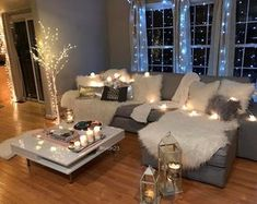Love love love the string of lights stumbling across the couch